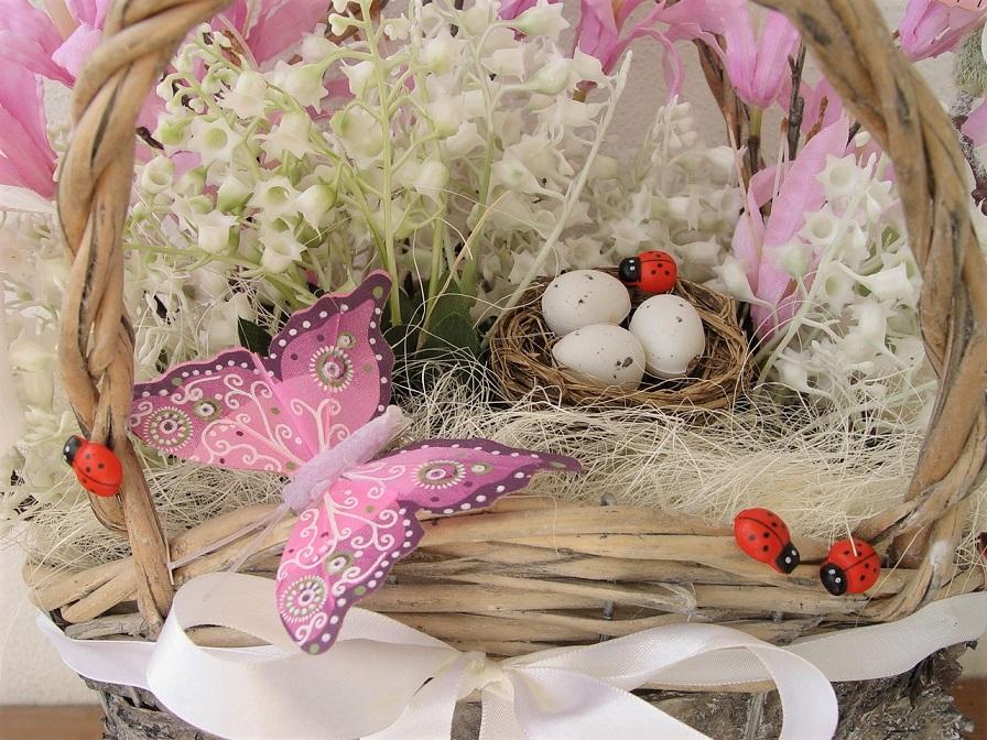 Vytvořte si koš plný jarních květin